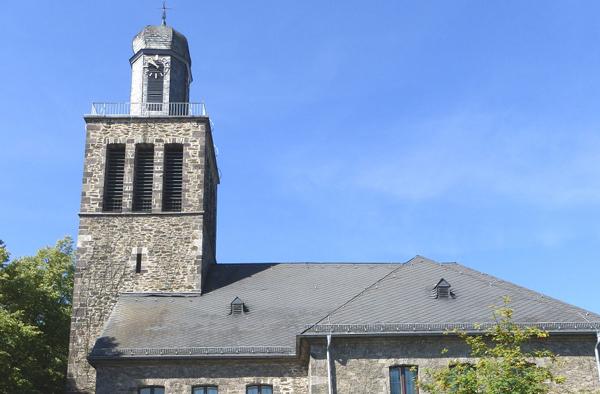 Der Gottesdienst aus der Christuskirche in Niedergirmes wird im Radio auf WDR5 übertragen.