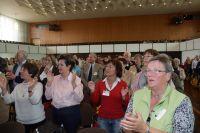 Bewegung zeigte auch der Abschlussgottesdienst in der Rhein-Mosel-Halle in Koblenz.