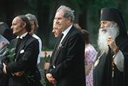 Präses Peter Beier (vorn v. l.), Landeskirchenrat Erich Anders und Erzbischof Wladimir.