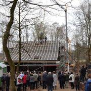 Im Januar begann der Aufbau, jetzt wurde Richtfest gefeiert.