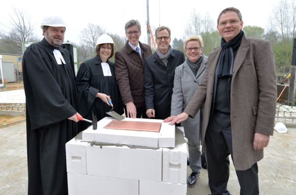Grundsteinlegung / Foto: Andreas Schmitter