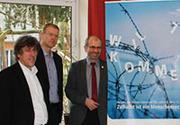 Stellten die VEM-Menschenrechtskampagne 2016 vor (v.l.): Pro-Asyl-Geschäftsführer Günter Burkhardt, Dr. Jochen Motte von der VEM und Präses Manfred Rekowski.