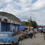 Straßenmarkt in der Ortschaft Viñales. Foto: Ulrike Schalenbach