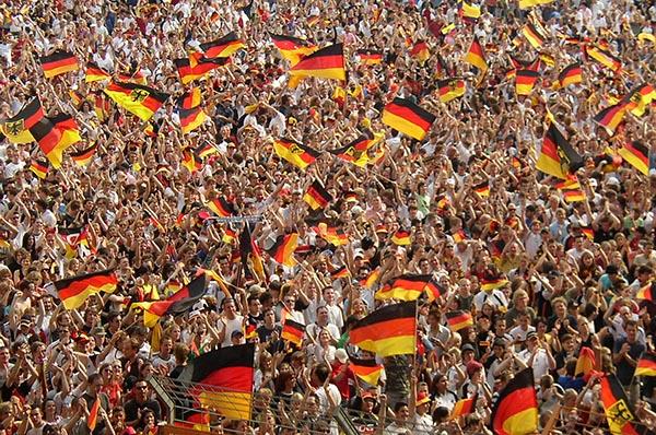 Fußball begeistert - vor allem während Fußballweltmeisterschaften. Foto: wikimedia / Arne Müseler / arne-mueseler.de