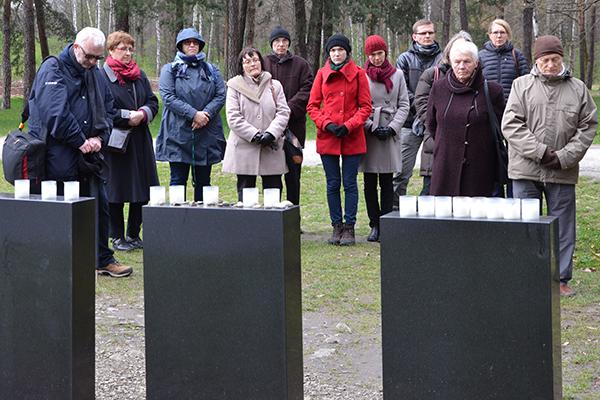 Gedenken in Auschwitz.