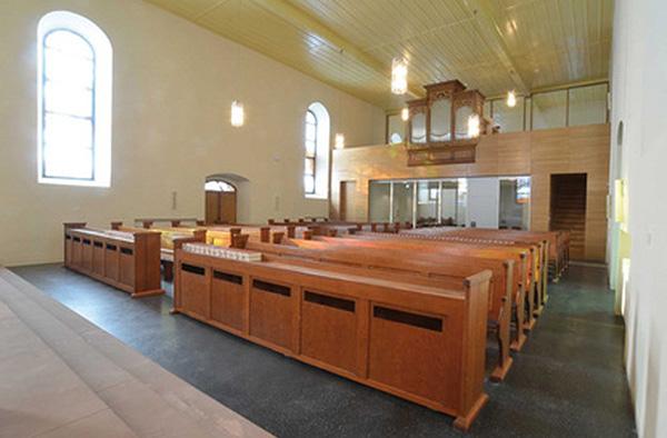 Blick in die neugestaltete Evangelische Kirche in Baumholder: Sie wird am 8. Oktober mit dem zweiten Preis der Stifung KiBa 2014 ausgezeichnet.