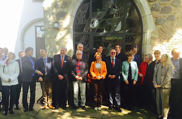 Sinnvoller Austausch: Vertreterinnen und Vertreter der Bildungsarbeit des Landeskirchenamts und der Schulabteilung der Bezirksregierung bei ihrem Treffen in Köln.
