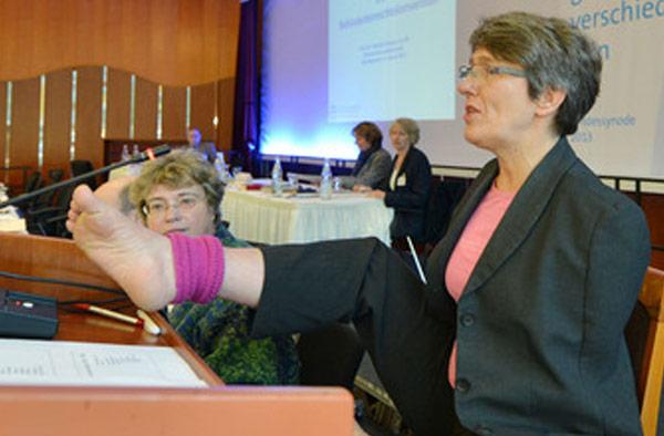 Dr. Theresia Degener, ekir