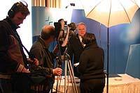 Interview des amtierenden Präses: Manfred Kock während eines Fernseh-Interviews auf der Landessynode