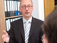 Ein-Euro-Jobs sind unter zwei Bedingungen denkbar, sagt Becker: sorgfältig begleitet und wirklich freiwillig.