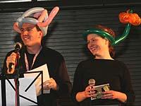 """Überleitung mit Luftballons: beim Jugendfestival folgte auf den """"Opener-Gottesdienst"""" ein Programm mit Spiel und Workshops."""