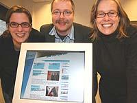 Frohe Weihnachten wünschen Maike Roeber, Ralf Peter Reimann und Anna Neumann.