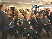 Zur Vernissage am 50. Todestag waren zahlreiche Mitglieder der Familie Held gekommen.