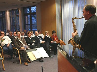 Musik verlieh der Preisverleihung die nötige Feierlichkeit: André Enthöfer am Saxophon.