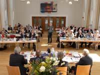 Die UEK-Vollkonferenz bei ihrer Sitzung im Theologischen Zentrum Wuppertal.