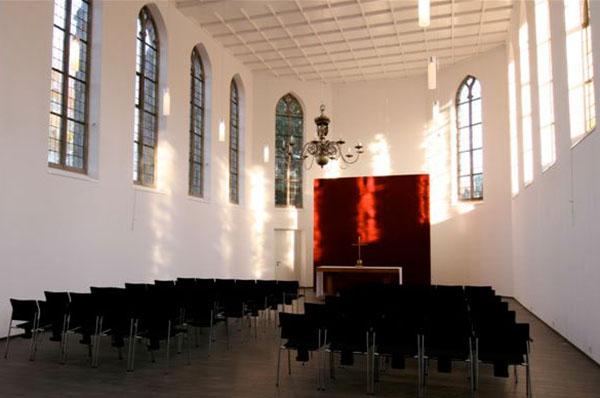 Kleine Kirche Böllenstege in Kleve (http://www.ekir.de/bauberatung/kirchliche-bau-und-kunstprojekte/kleve-182.php).