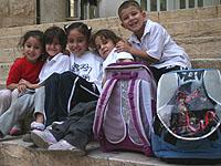 Ein guter Ort für die Kids: Schülerinnen und Schüler in Talitha Kumi.