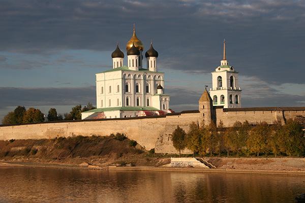 Der heutige Kreml von Pskow.