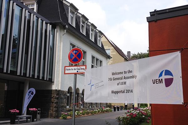 Alles ist bereit, die Delegierten sind willkommen, das Theologische Zentrum in Wuppertal ist vorbereitet zur VEM-Vollversammlung.