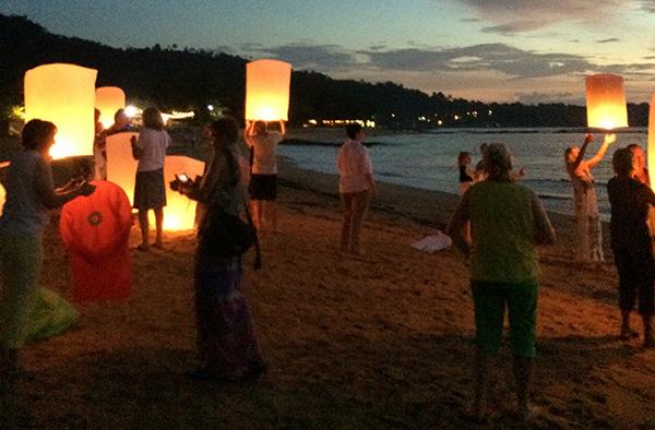 Gedenken an die Opfer des Tsunamis am Zweiten Weihnachtstag vor zehn Jahren am Strand von Khao Lak in Thailand.