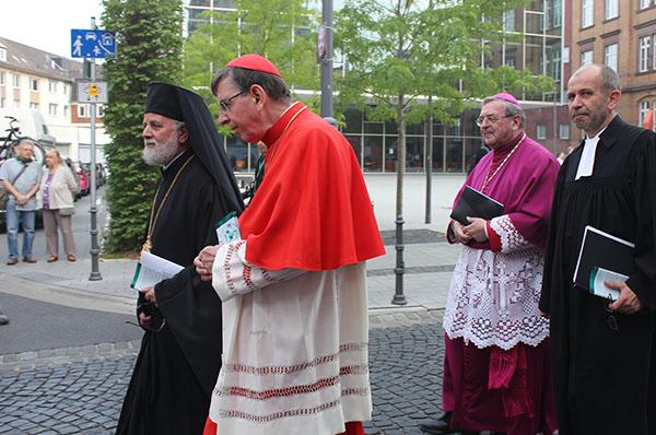 Prozession zum ökumenischen Taufgedächtnis: der griechisch-orthodoxe Bischof Evmenios von Lefka (v.l.), Kardinal Kurt Koch, Bischof Dr. Heinrich Mussinghoff und Präses Manfred Rekowski.