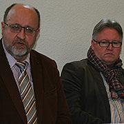 Die Superintendenten Hans-Peter Bruckhoff (l.) und Jens Sannig bei der Pressekonferenz in Aachen.
