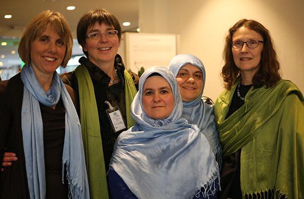 Christiane Parlings (v.l.), Katrin Meinhard, Sevim Tavsan, Aysel Bahci und lydie Hege.