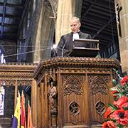 Pfarrer Jens-Peter Bentzin aus Monschau predigt im Münster in Halifax.