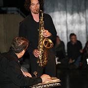 Musizierten beim Multireligiösen Gebet: Recep Seber (Kanun) und Rüdiger Scheipner (Saxopon).