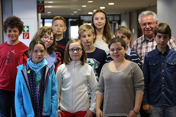Zehn Mädchen und Jungen nahmen am Kinderferientag im Landeskirchenamt teil.