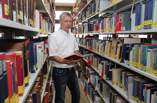 Pastor Jörg Rauber, Akademischer Rat an der Fachrichtung Evangelische Theologie der Universität des Saarlandes.