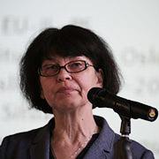 Asymmetrisches Verhältnis: Dr. Sabine Hofmann.