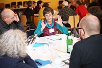 Auch Diskussionen in den Gruppen an den Tischen gehörten zum PIR-Studientag.