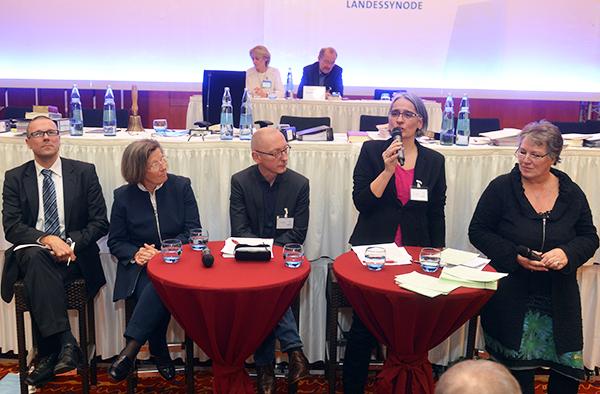 Podium zur sog. Großen Transformation, vl.: Uwe Schneidewind, Marlehn Thieme, Uwe Becker, Ilka Werner und Moderatorin Julitta Münch.