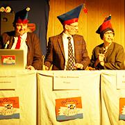 Leitung der Synode (v.l.): Schatzmeister (Heribert Rösner), Präses (Detlev Prößdorf) und Ehrenamtliche (Dorothee Schaper).