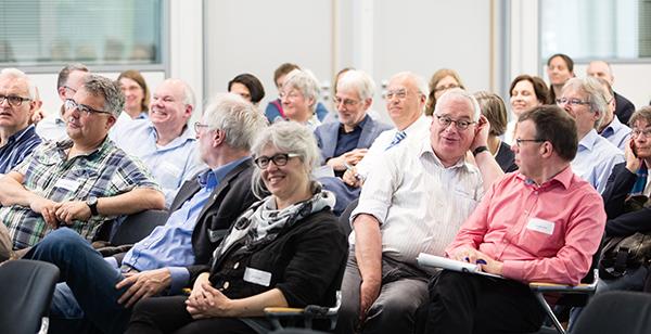 Schöpfen gemeinsam aus den Quellen des Glaubens: Pfarrerinnen und Pfarrer trafen sich in Bonn.