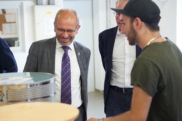 Präses Manfred Rekowski bei seinem Besuch bei den Unternehmen der GESA-Stiftung.
