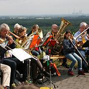 Musik, unter anderm vom Posaunenchor, sorgt für gute Stimmung.