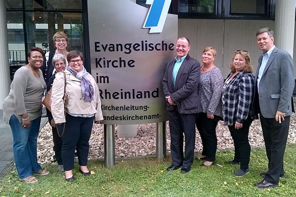 Die Delegierten der CHHSM haben während ihres Besuchs auch im Düsseldorfer Landeskirchenamt Halt gemacht.