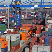 An acht Terminals werden 2017 vermutlich 140 Millionen Frachtgut umgeschlagen.