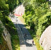 Zahlreiche Einschnitte, Tunnel und Viadukte finden sich entlang der Nordbahntrasse.