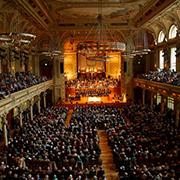 Festgottesdienst am Reformationstag in der voll besetzten Historischen Stadthalle in Wuppertal.