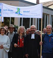 Startklar: Die Aussendung unterstützten Pastoralreferentin Brigitte Schmidt (vorn, v.l.), EKD-Pfarrerin Sabine Udodesku und Präses Manfred Rekowski.