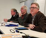 Das Podium der Friedenskonferenz (von links): Militärdekan Dr. Klaus Beckmann, Tagungsleiter Ulrich Frey und Superintendent Jens Sannig.