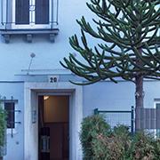 Die Außenwohngruppe für wohnungslose Mütter befindet sich in einem unauffälligen Mietshaus in Düsseldorf.