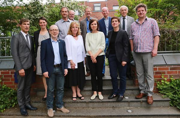 Haben das Kunstprojekt zum Reformationsjubiläum auf den Weg gebracht: Beirat und Jury.