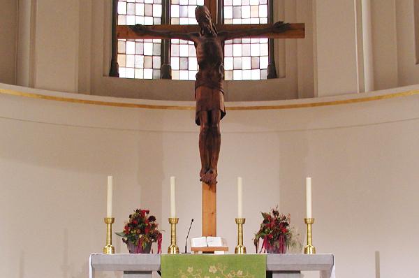 Kreuz in der Düsseldorfer Johanneskirche.