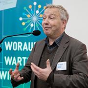 Träume und Erfahrungen teilen: Christoph Nötzel.