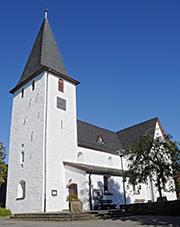 Außen uni: Pfarrkirche Lieberhausen.