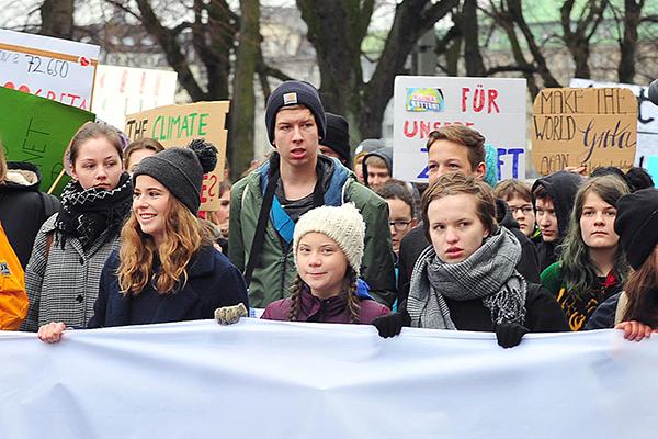 """""""Fridays for Future"""": Anfang März demonstrierten tausende Schülerinnen und Schüler für den Klimaschutz. Mittendrin: die schwedische Klimaaktivistin Greta Thunberg."""